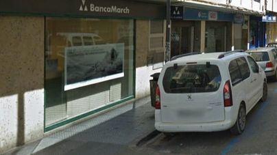 Buscan a los autores del alunizaje contra la sede de la Banca March en Ibiza
