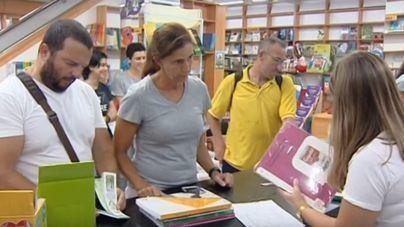 Dos semanas para la vuelta al cole: cada familia gastará unos 900 euros de media en libros y material