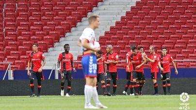 Los bermellones celebran el único gol del partido