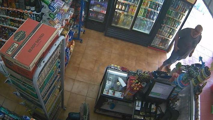 Detenido un hombre por robar 800 euros en un supermercado de Magaluf armado con un cuchillo