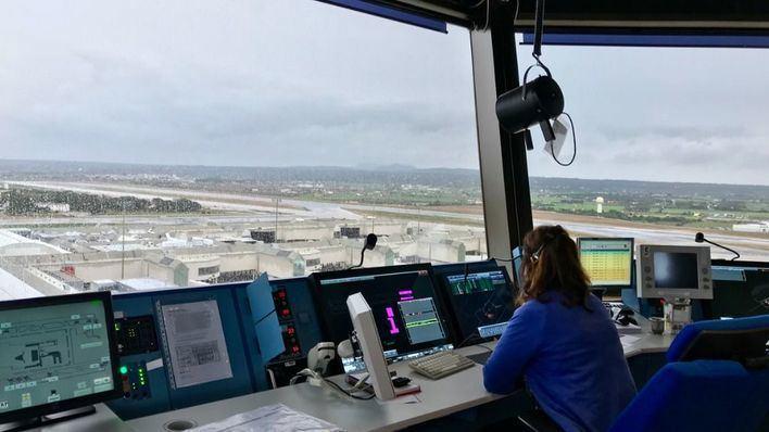 Enaire supera los 100 aterrizajes vía satélite en Palma de Mallorca