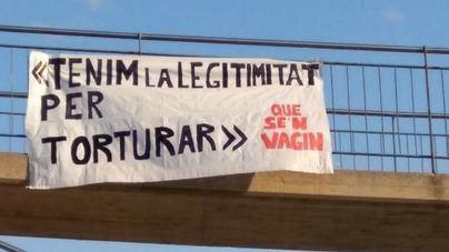 Critican el silencio del Govern ante las pancartas independentistas contra la Guardia Civil