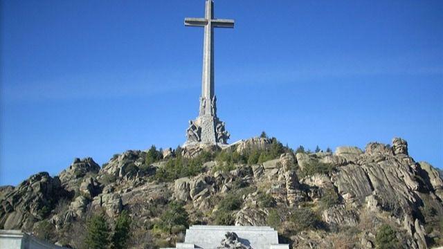 La familia Franco recurrirá al Defensor del Pueblo para impedir el decreto ley