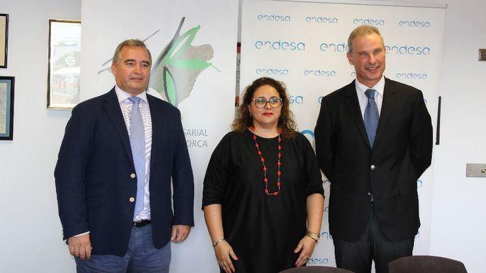 La FEHM y Endesa firman un convenio para ahorrar energía en los hoteles