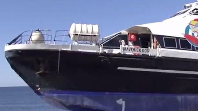 Dos heridos graves y cuatro leves tras el choque de su embarcación contra un islote en Formentera