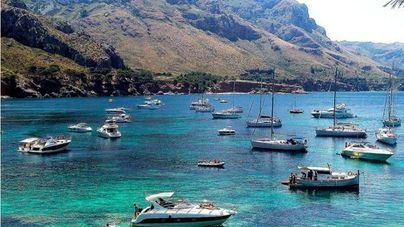 Medio Ambiente ha movido este verano 4.400 barcas fondeadas en posidonia y abre 33 actas