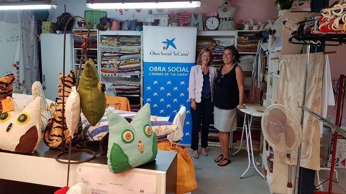 La Caixa aporta 9.000 euros al comedor social de Deixalles