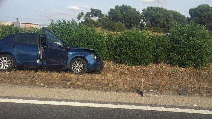 Kilométrico atasco en la autopista de Palma a Llucmajor por un accidente de tráfico entre dos coches