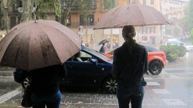 Activada la alerta naranja hasta el lunes tarde aguaceros y tormentas muy fuertes en Mallorca