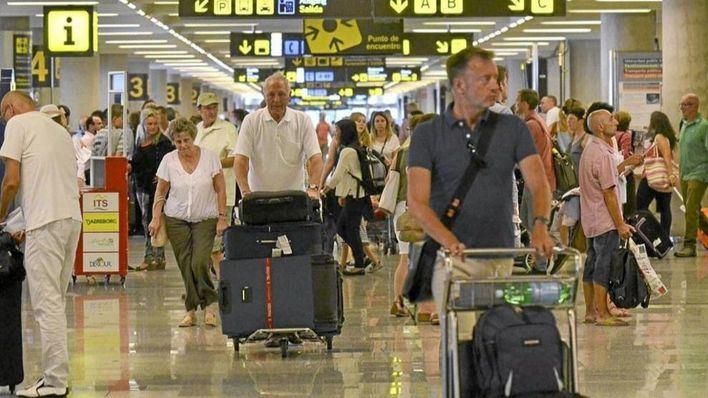 Unos 4,2 millones de pasajeros pasaron por Son Sant Joan en agosto