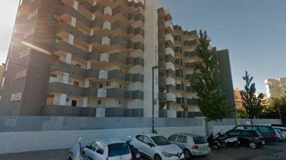 En estado crítico un joven tras precipitarse desde un tercer piso en Ibiza