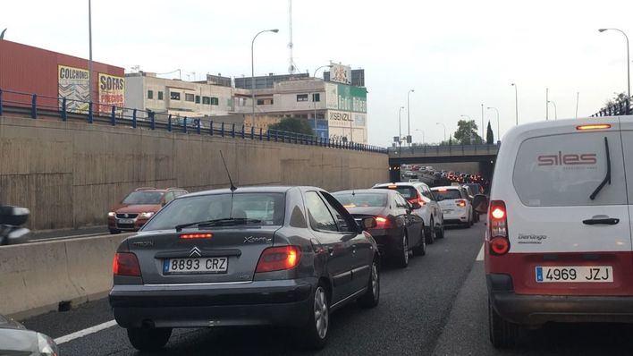 Colapso en la autovía de Llucmajor, en la de Ponent y cerrada la rotonda de Son Ferriol en sentido Palma