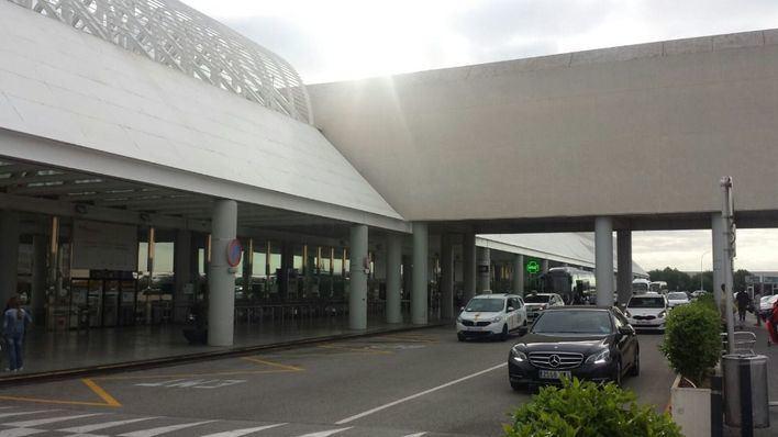 Instalan un sistema de control automático de pasaportes en Son Sant Joan