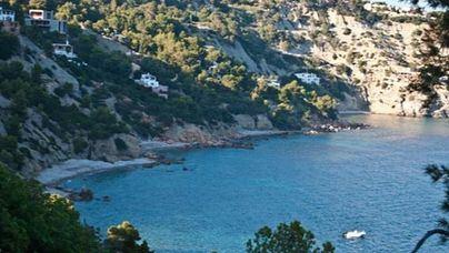 Rescatadas nueve personas con hipotermia tras hundirse un barco en Ibiza