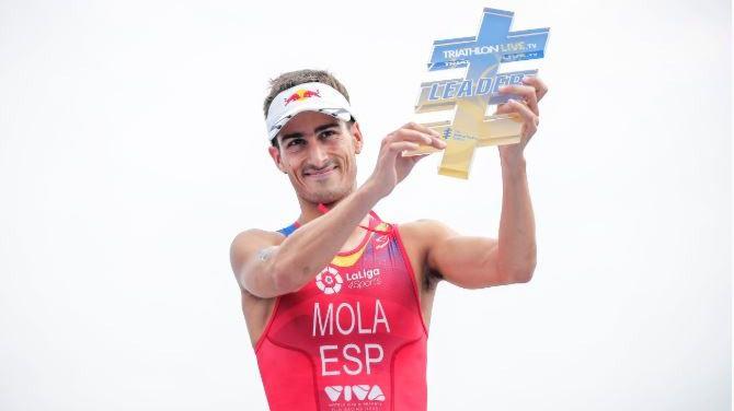 Mario Mola se proclama campeón del mundo de triatlón por tercer año consecutivo