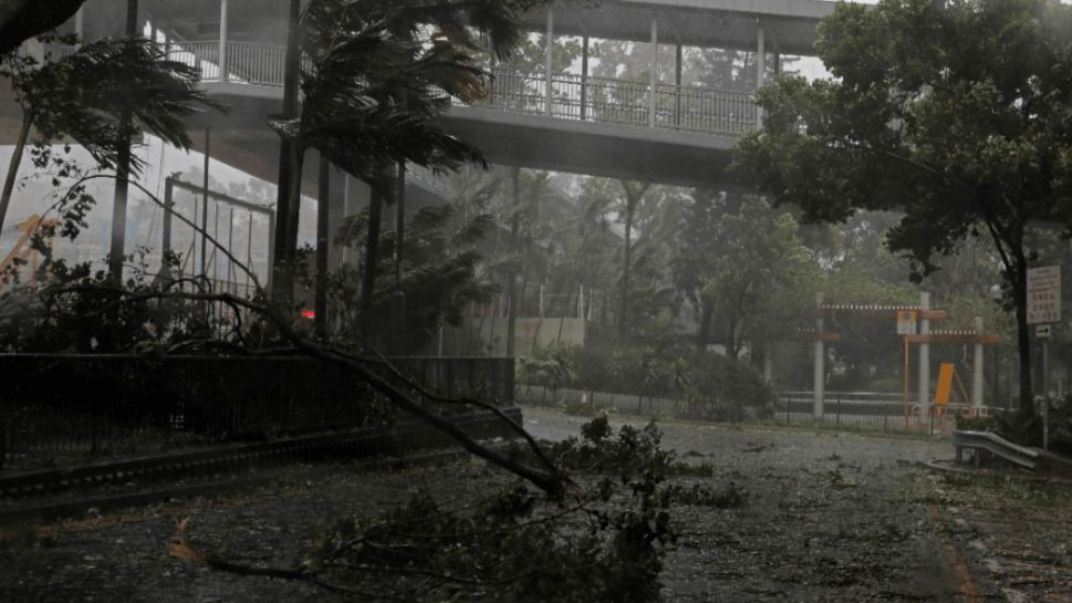 Hong Kong permanece en alerta máxima por el súper tifón Mangkhut
