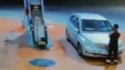 En libertad con cargos la conductora que atropelló a un empleado de una gasolinera de Son Oms