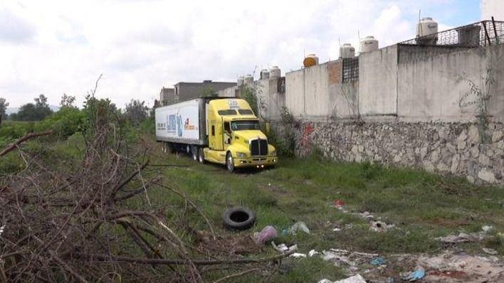 Dejan 157 cadáveres en un camión por falta de espacio en la morgue
