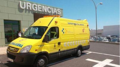 En estado crítico tras caer desde el segundo piso de un hotel de Canarias