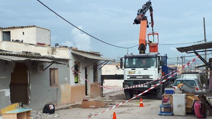 Cort acelera el 'derribo imparable' de 45 viviendas de Son Banya antes de Navidad