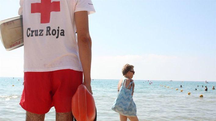 La Cruz Roja ha rescatado 228 personas y ha evacuado a 140 en playas de Balears