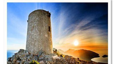 La Torre Asima acoge la exposición 'Fotos con Historia