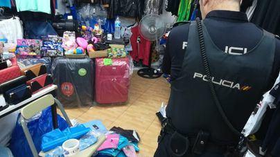 La Policía Nacional interviene 750 objetos falsificados en Palmanova