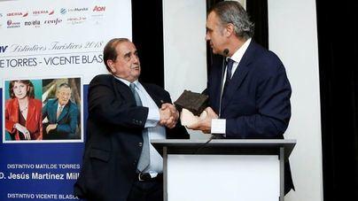 Amadeus España y Jesús Martínez Millán reciben los distintivos turísticos de la CEAV