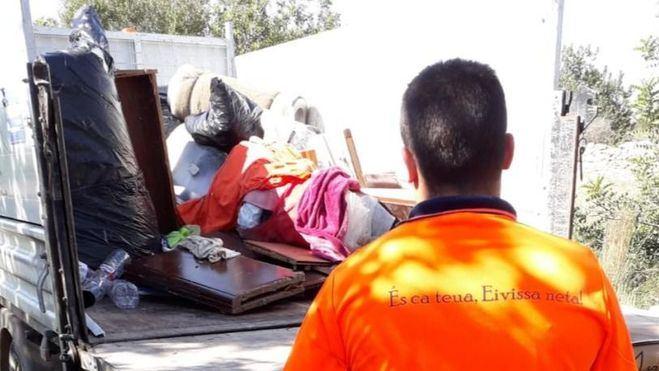 Interponen cinco denuncias por acampar de manera ilegal en Ibiza