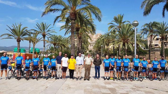 Presentan el equipo de ciclismo en carretera de la Comandancia General