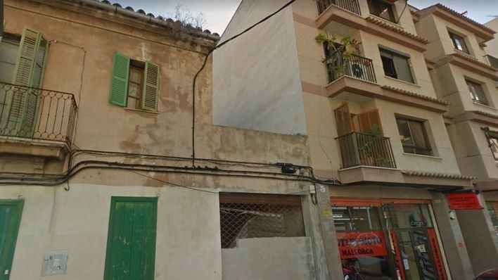 Detienen a un guineano con antecedentes atrincherado con un cuchillo en una casa okupa de Palma