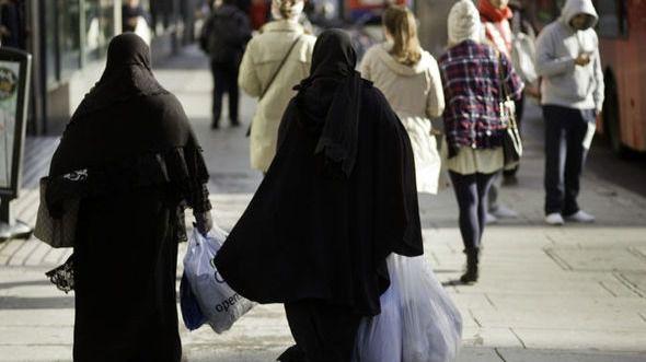 El cantón suizo de San Galo prohíbe el burka, niqab, chador y hijab en espacios públicos