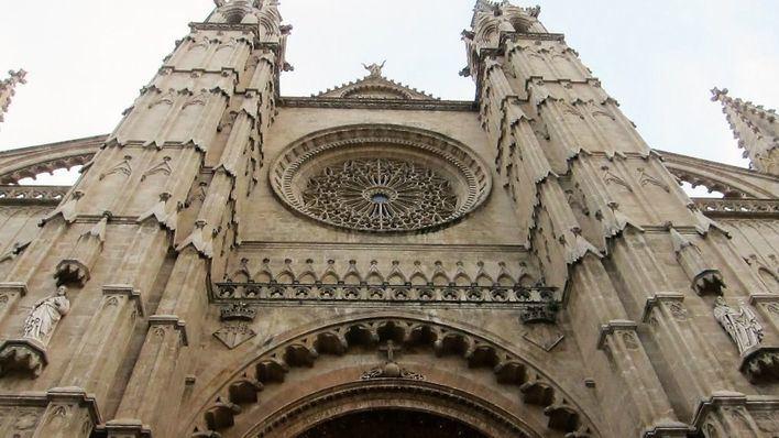 El Obispo de Mallorca nombra a cuatro nuevos canónigos para la Catedral