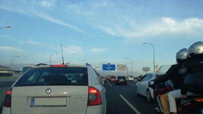 Un accidente en la carretera de Andratx complica el tráfico ya agravado por el corte en la Ma-15
