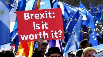 Una mayoría de británicos rechazaría el Brexit si se repitiera el referéndum