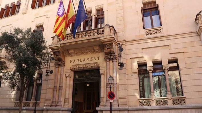 PSIB defenderá el martes en el Parlament que los ayuntamientos puedan gastar el superávit