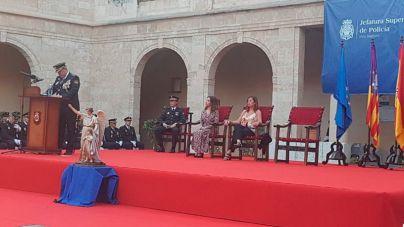 La delegada del Gobierno agradece a la Policía Nacional su esfuerzo para mantener la seguridad ciudadana