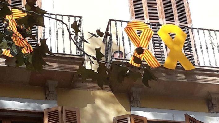 Noguera descarta ordenar la retirada del lazo amarillo del balcón de Més per Palma en Cort