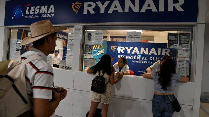 Un juez exonera a Ryanair de indemnizar a pasajeros por los vuelos cancelados por la huelga