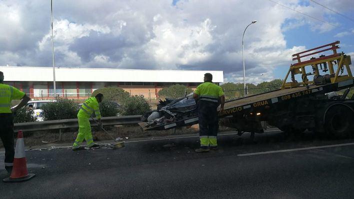 En estado grave un motorista tras sufrir un accidente en la autopista de Llucmajor