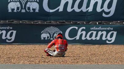 Lorenzo no correrá el GP de Tailandia por una fisura de radio y sentirse 'peor'