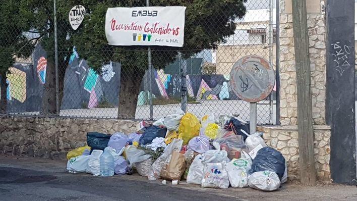 Piden a Cort que reponga los contenedores de basura en el barrio de la Vileta