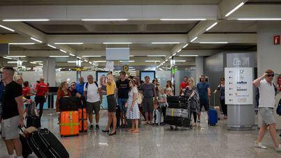 Un total de 193.419 pasajeros circulan por los aeropuertos de Baleares este domingo