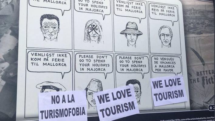 """Malestar en el Port de Sóller por una exposición """"turismofóbica"""" autorizada por el Ayuntamiento"""