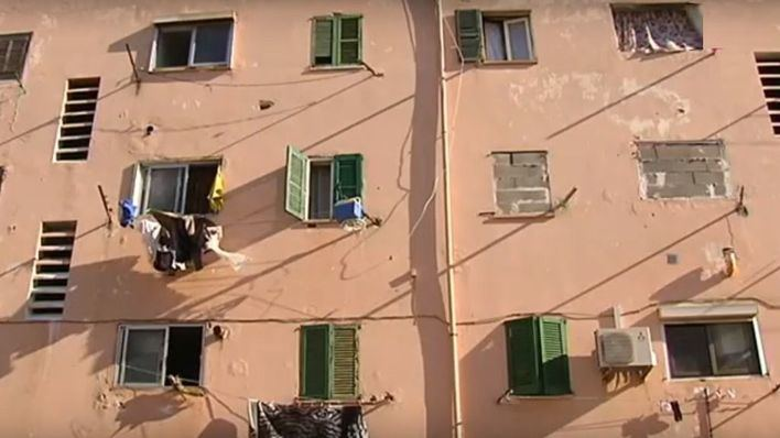 Vecinos del bloque VIII de Corea advierten a Cort: ocuparán más pisos si no les dan una casa