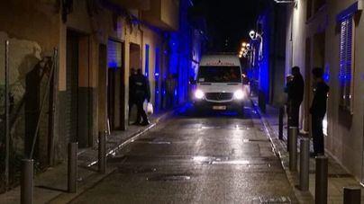 Un incendio destapa un garaje reconvertido en vivienda en Palma