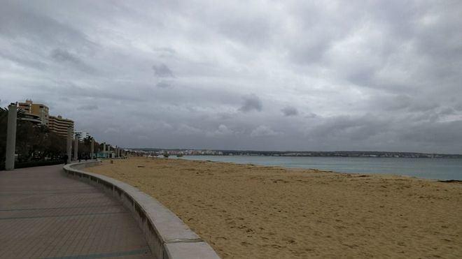 Nubes y tormentas localmente fuertes en Mallorca