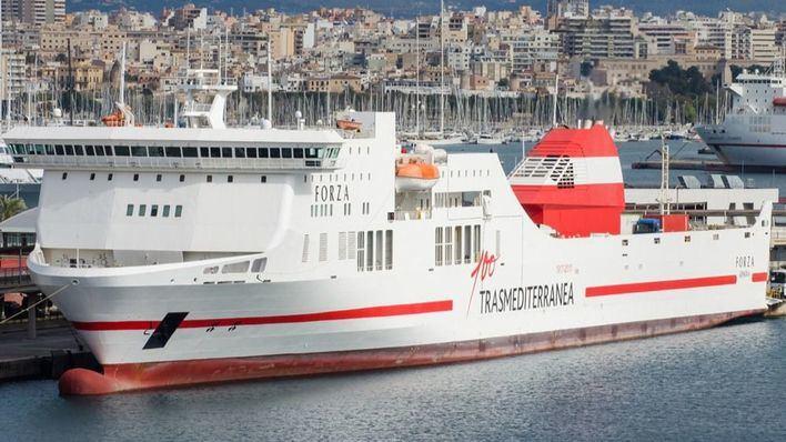 Trasmediterránea traslada más efectivos de la UME hasta Mallorca