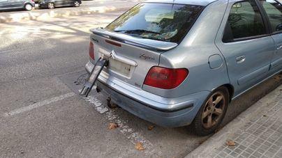 Hasta 70 coches de Palma con retrovisores rotos, ruedas pinchadas y matriculas arrancadas