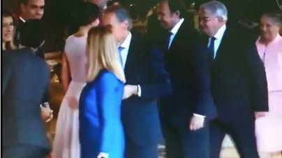 """El momento """"tierra trágame"""" de Pedro Sánchez con los Reyes"""